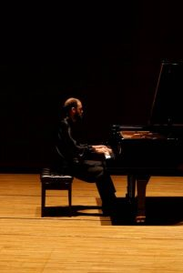 Klaverkoncert med Hristo Kazakov @ John's Hall | Frøstrup | Danmark
