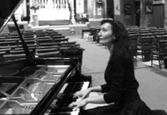 Rosemary Tuck (piano) plays Ravel, Chopin, Liszt,  Wiliam Vincent Wallace and Ginastera @ John's Hall | Frøstrup | Danmark